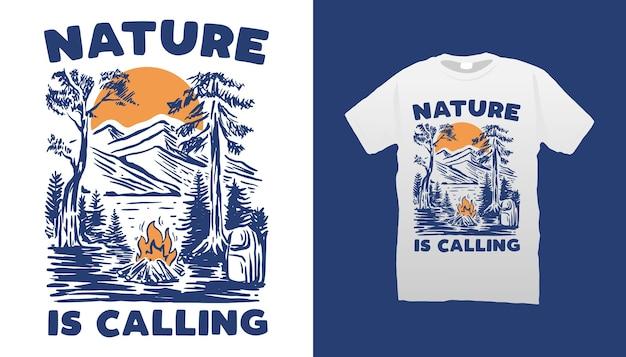 Design de camiseta com ilustração de acampamento na montanha