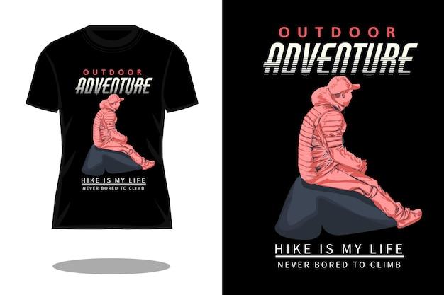 Design de camiseta retrô de aventura ao ar livre