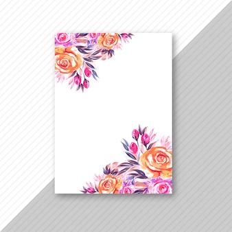 Design de cartão de convite de casamento floral