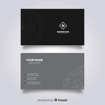 Design de cartão de visita de mandala
