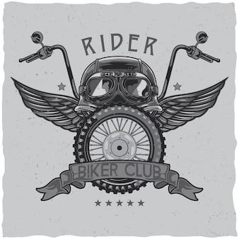 Design de etiqueta de t-shirt com tema de motocicleta com ilustração de capacete, óculos, roda e asas
