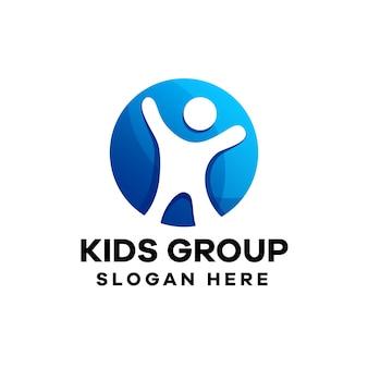 Design de logotipo abstrato infantil gradiente