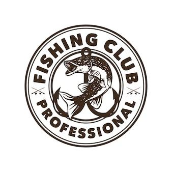 Design de logotipo clube de pesca profissional em preto e branco com ilustração vintage de peixes do lúcio do norte