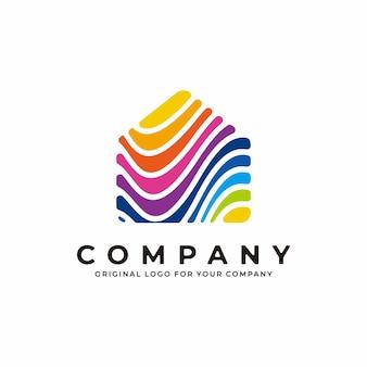 Design de logotipo colorido abstrato de casa com charme gradiente de cor