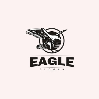 Design de logotipo de águia majestosa