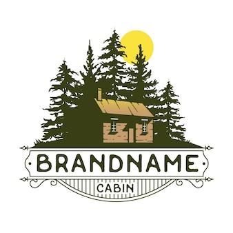 Design de logotipo de cabine e floresta, casa imobiliária vintage, logotipo imobiliário.