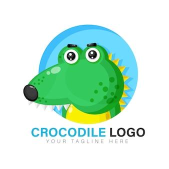 Design de logotipo de crocodilo fofo