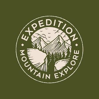 Design de logotipo de distintivo de montanha