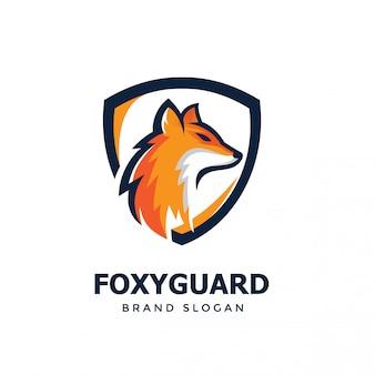 Design de logotipo de escudo de raposa