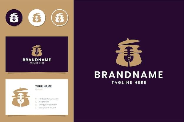 Design de logotipo de espaço negativo para cozinha podcast