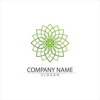 Design de logotipo de folha de árvore verde