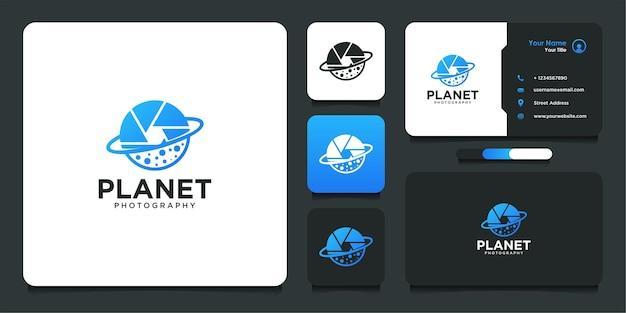 Design de logotipo de fotografia com estilo de planeta e cartão de visita