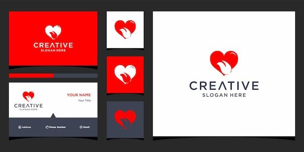 Design de logotipo de lábios de amor com modelo de cartão de visita