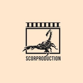 Design de logotipo de produção de filme com escorpiões