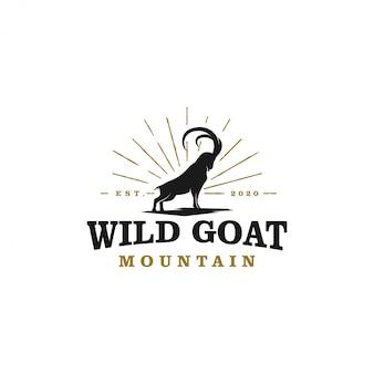 Design de logotipo de silhueta de ram de cabra selvagem - fazendas de cabra selvagem de chifre longo