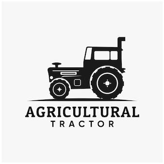 Design de logotipo de trator agrícola plano