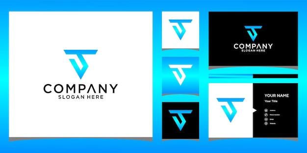 Design de logotipo de triângulo t com modelo de cartão de negócios