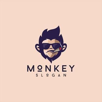 Design de logotipo do mascote do macaco fumando