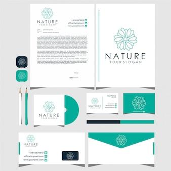 Design de logotipo floral elegante minimalista para beleza com artigos de papelaria