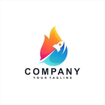 Design de logotipo gradiente de chama de foguete