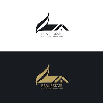 Design de logotipo imobiliário com casa e folha da forma