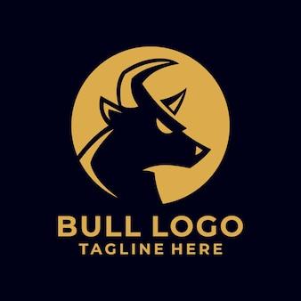 Design de logotipo simples e forte com silhueta de bull