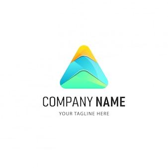 Design de logotipo triângulo colorido. illsutration logotipo abstrato