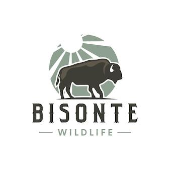 Design de logotipo vintage bisonte sun