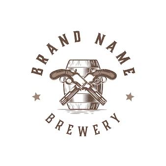 Design de logotipo vintage para cervejaria com ilustração de armas e vetor de logotipo de barril