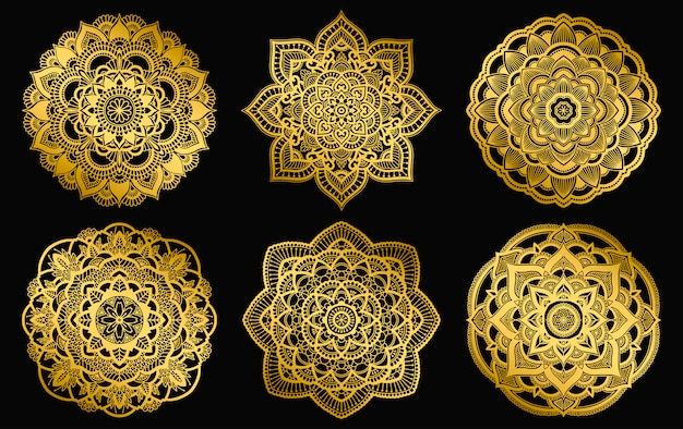 Design de mandalas douradas. ornamento de gradiente étnico redondo. motivo indiano de mão desenhada. mehendi meditação yoga hena tema. impressão floral original.