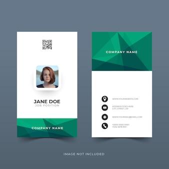 Design de modelo de cartão de identificação vertical com formas poligonais
