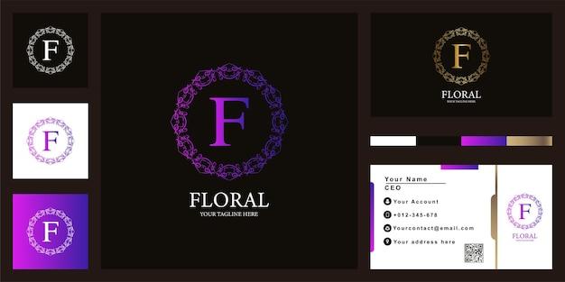 Design de modelo de logotipo de quadro de flor de ornamento de luxo letra f com cartão de visita.
