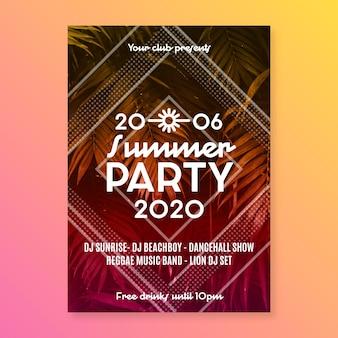 Design de modelo de panfleto de festa de verão