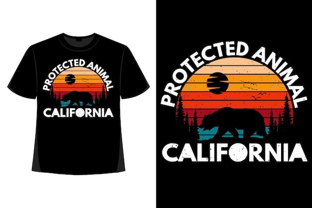 Design de t-shirt com animal protegido da califórnia urso pinho retro ilustração vintage