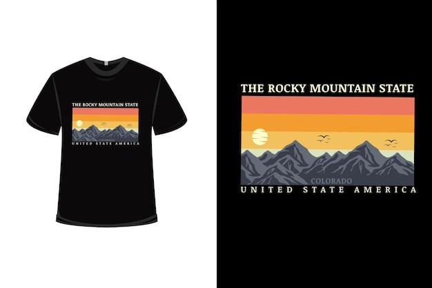 Design de t-shirt com as montanhas rochosas, estado e estados unidos, américa em amarelo alaranjado e cinza