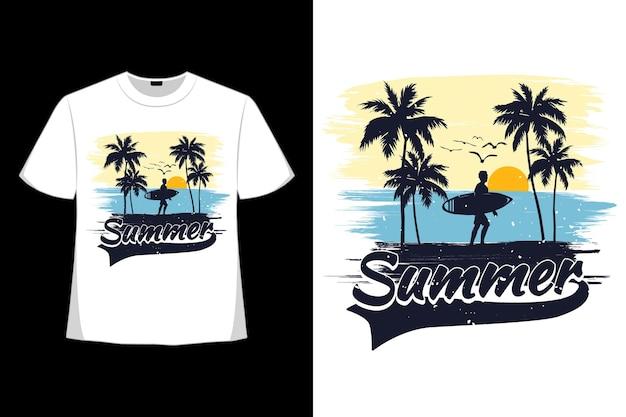 Design de t-shirt de férias de surf na praia de verão em estilo retro