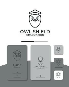 Design do logotipo da formatura da coruja do escudo para a escola de educação