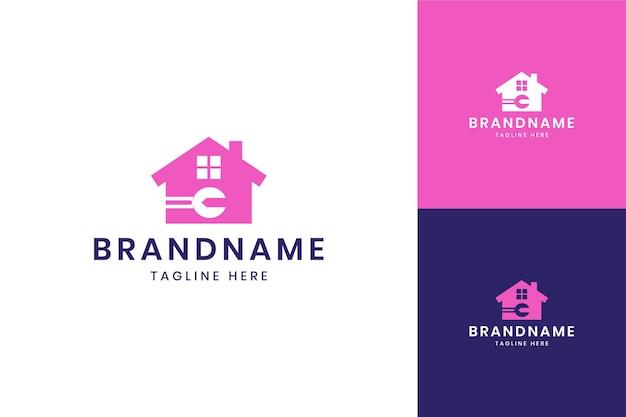 Design do logotipo do espaço negativo da casa da chave inglesa