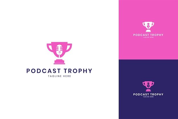Design do logotipo do espaço negativo do troféu de podcast