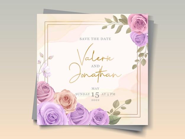 Design elegante de cartão de casamento com enfeites de rosas cor de rosa e roxas