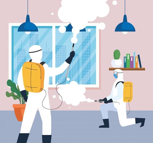 Desinfecção doméstica por serviço de desinfecção comercial, grupo de trabalhadores de desinfecção com traje de proteção e spray para evitar cobranças