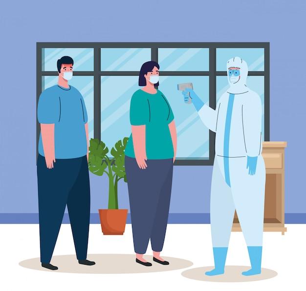 Desinfecção, pessoa em traje de proteção viral, com termômetro infravermelho digital sem contato, casal em temperatura ambiente em casa