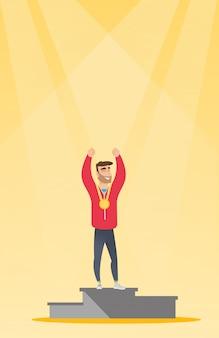 Desportista caucasiana, celebrando no pódio de vencedores.