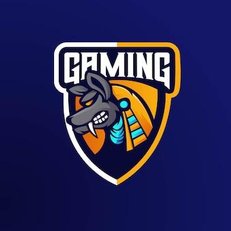 Deus egípcio anubis esporte jogo mascote logotipo modelo