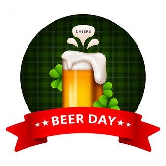 Dia internacional da cerveja. felicidades com canecas de cerveja tinindo conceitual ..