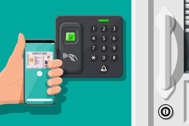 Dispositivo de segurança por senha e impressão digital na porta do escritório ou de casa. mão com smartphone com aplicativo de cartão de identificação. máquina de controle de acesso, tempo de atendimento. leitor de cartão de proximidade. ilustração vetorial plana