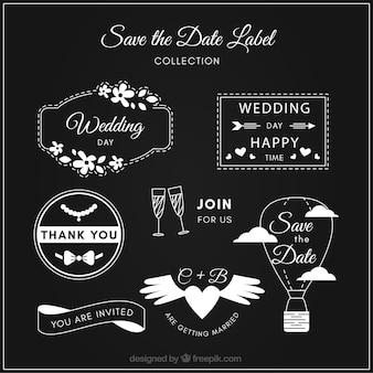 Diversas etiquetas de casamento no quadro-negro
