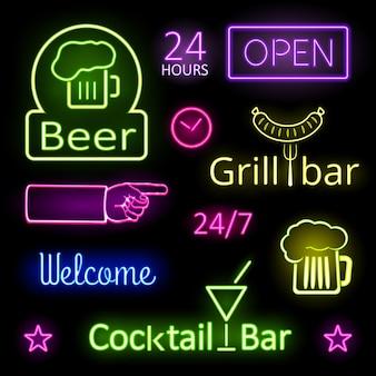 Diversas luzes de néon coloridas brilhantes para placas de bar em fundo preto