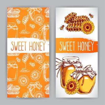 Dois banners verticais de mel. potes de mel, abelhas, favos de mel. ilustração desenhada à mão