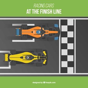 Dois carros de corrida f1 cruzando a linha de chegada